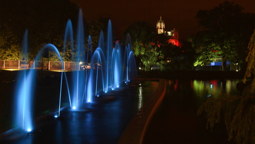 Illuminated Fountain Display – University May Ball