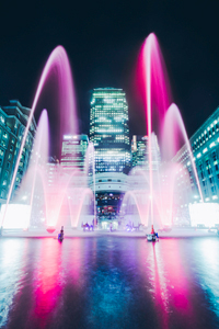 Dancing water fountains at Canary Wharf