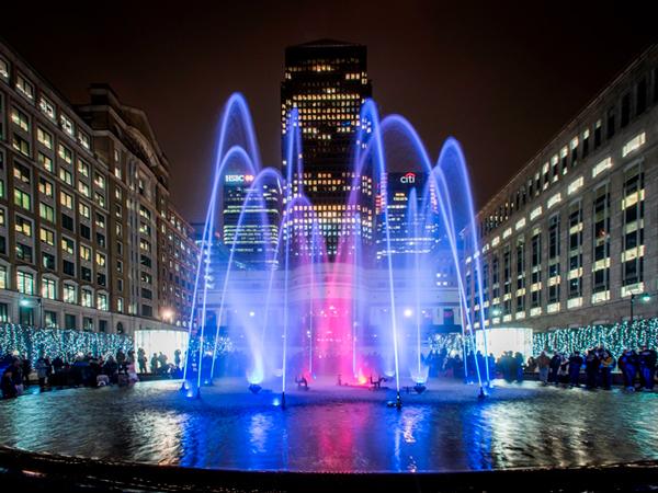 Dancing fountain in Canary Wharf