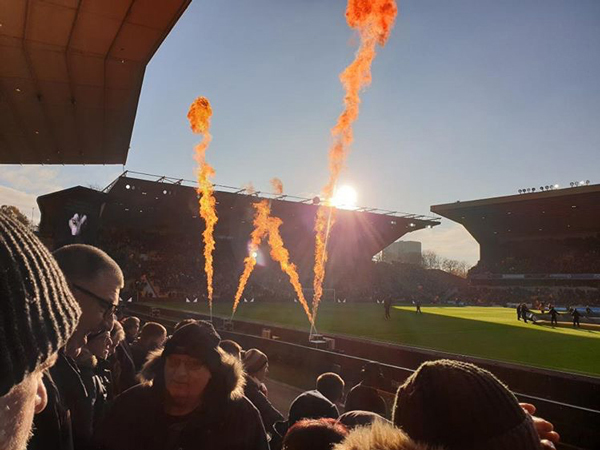 Wolverhampton Wanderers using flame effects before kickoff